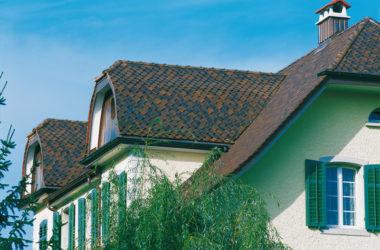 Jak wybrać dachówkę ceramiczną – na co szczególnie zwrócić uwagę