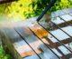 Renowacja tarasu – czym czyścić różne nawierzchnie po sezonie?
