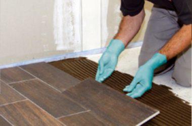 Czy płytki ceramiczne można układać na drewnianej podłodze?