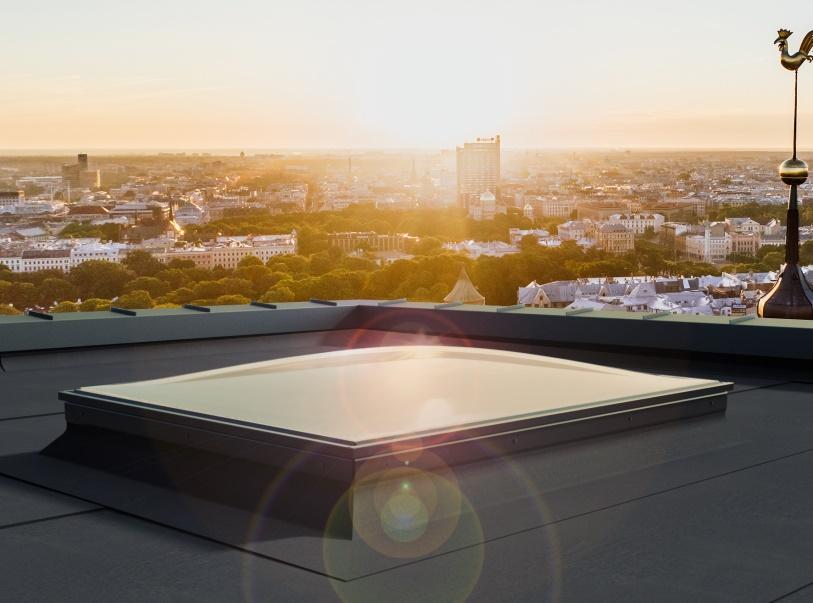 Okno Spherline na dachu płaskim