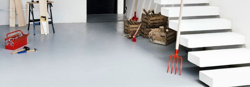 Farba V33 o wysokiej odporności nadaje się do malowania podłóg w garażu