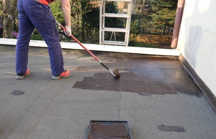Naprawa dachu pokrytego papą - fot. Ultrament