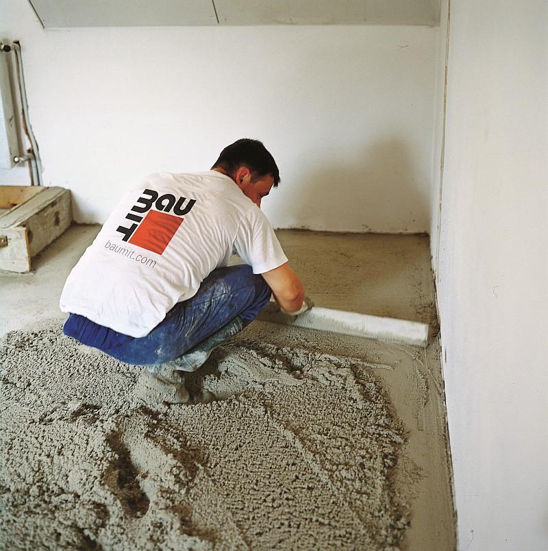 Wykonanie szybkowiążącej posadzki cementowej Rapido