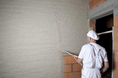 Tynki cementowo-wapienne mają wiele zalet