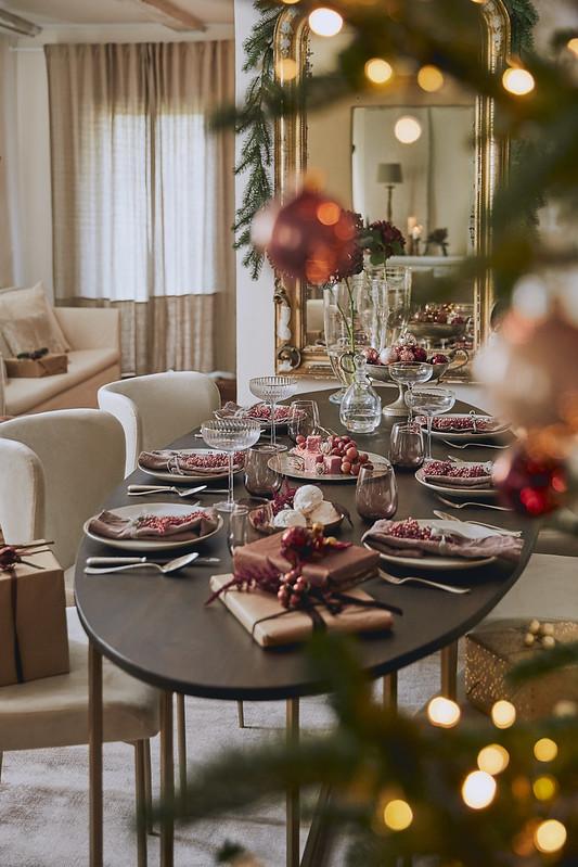 Eleganckie nakrycie stołu świątecznego