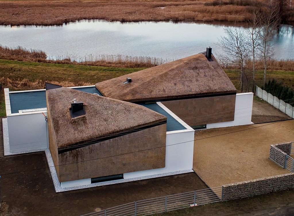 Dom Barka Cieślika nad stawem