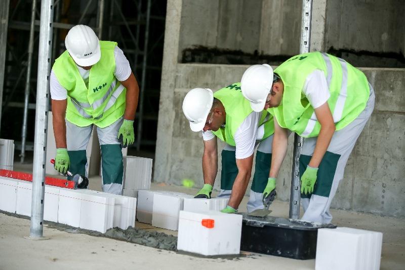 Murowanie z bloczków betonu komórkowego
