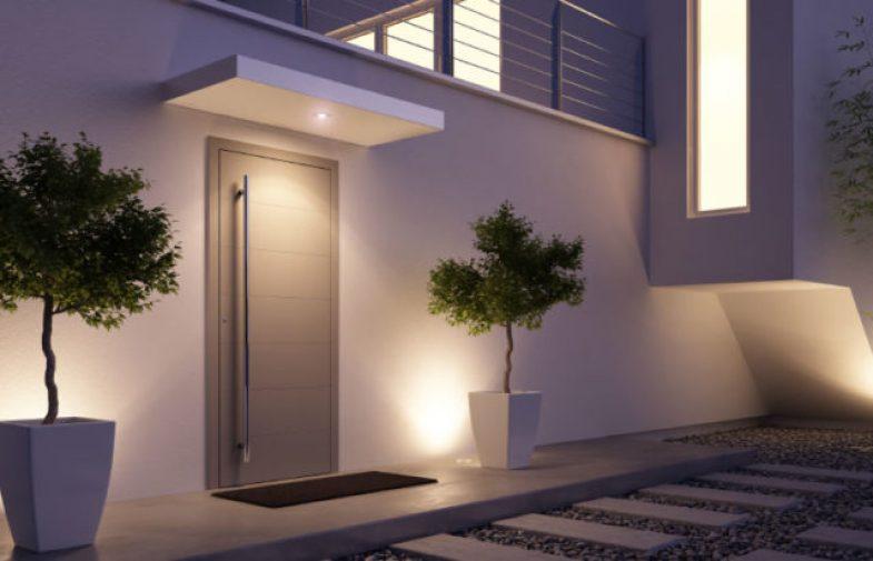 Jak wybrać bezpieczne drzwi antywłamaniowe?